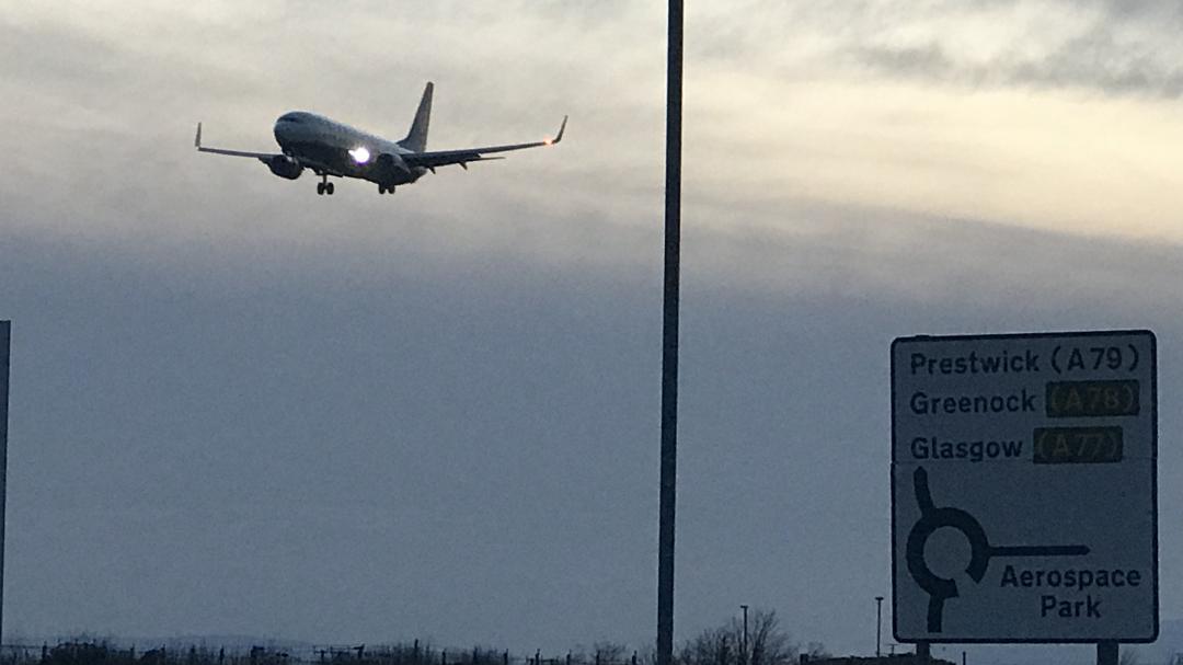 Prestwick Airport Taxi - Ryanair Flight Landing